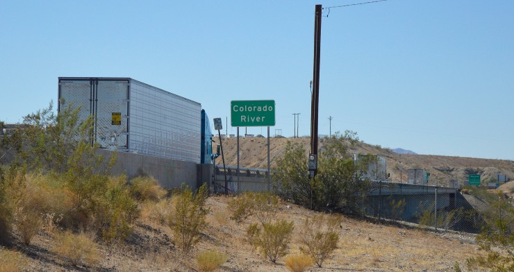 This image has an empty alt attribute; its file name is i-40-cr-sign.jpg